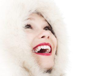 Come prevenire le macchie dentali