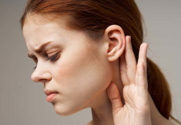 ascesso dietro orecchio
